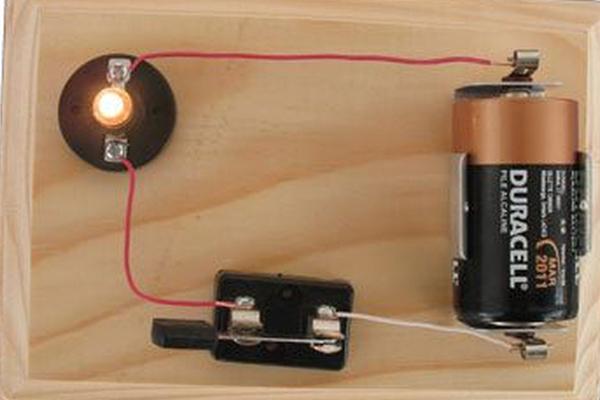 laboratorio circuito lampadina
